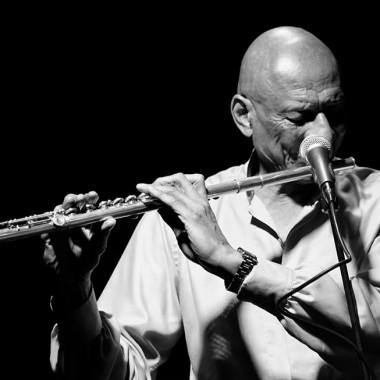 Kirk Lightsey, flûte.