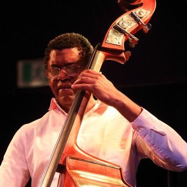 Felipe Cabrera, basse. Photo:©Tristan Boy de la Tour, Lausanne