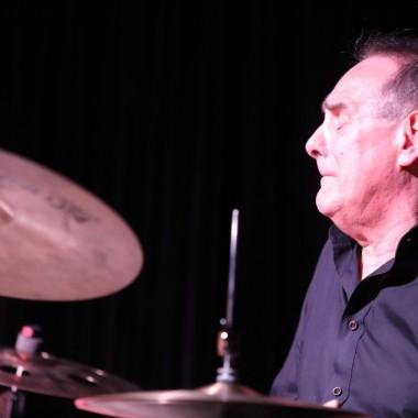 Luiz Augusto Cavani, batterie